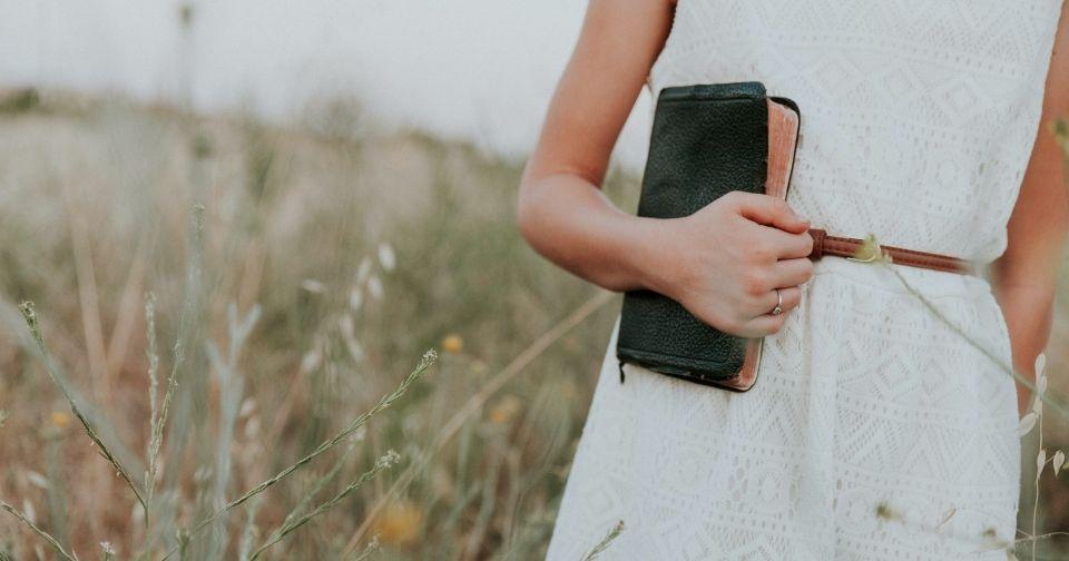 LANVIN en Bleu(ランバン オン ブルー)のおすすめの財布をご紹介します!おすすめの年齢層や実店舗で評判の高い財布とは