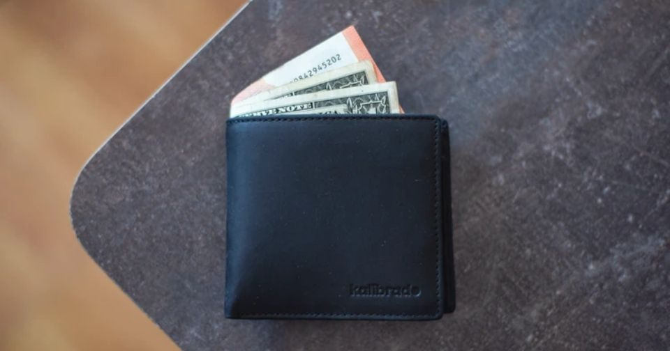 Calvin Klein(カルバンクライン)の財布を紹介。人気のシリーズや年齢層、ブランドの特徴を解説!