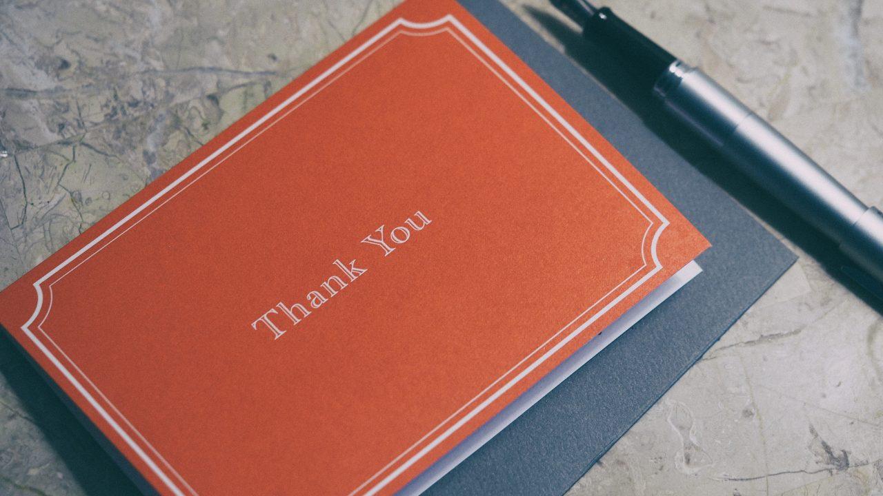 母の日にはカードケースのプレゼントを!選び方からおすすめの理由までご紹介します。
