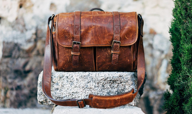 熟練の職人が手掛ける日本の鞄の魅力とは?業界の現状と職人になる方法も解説!