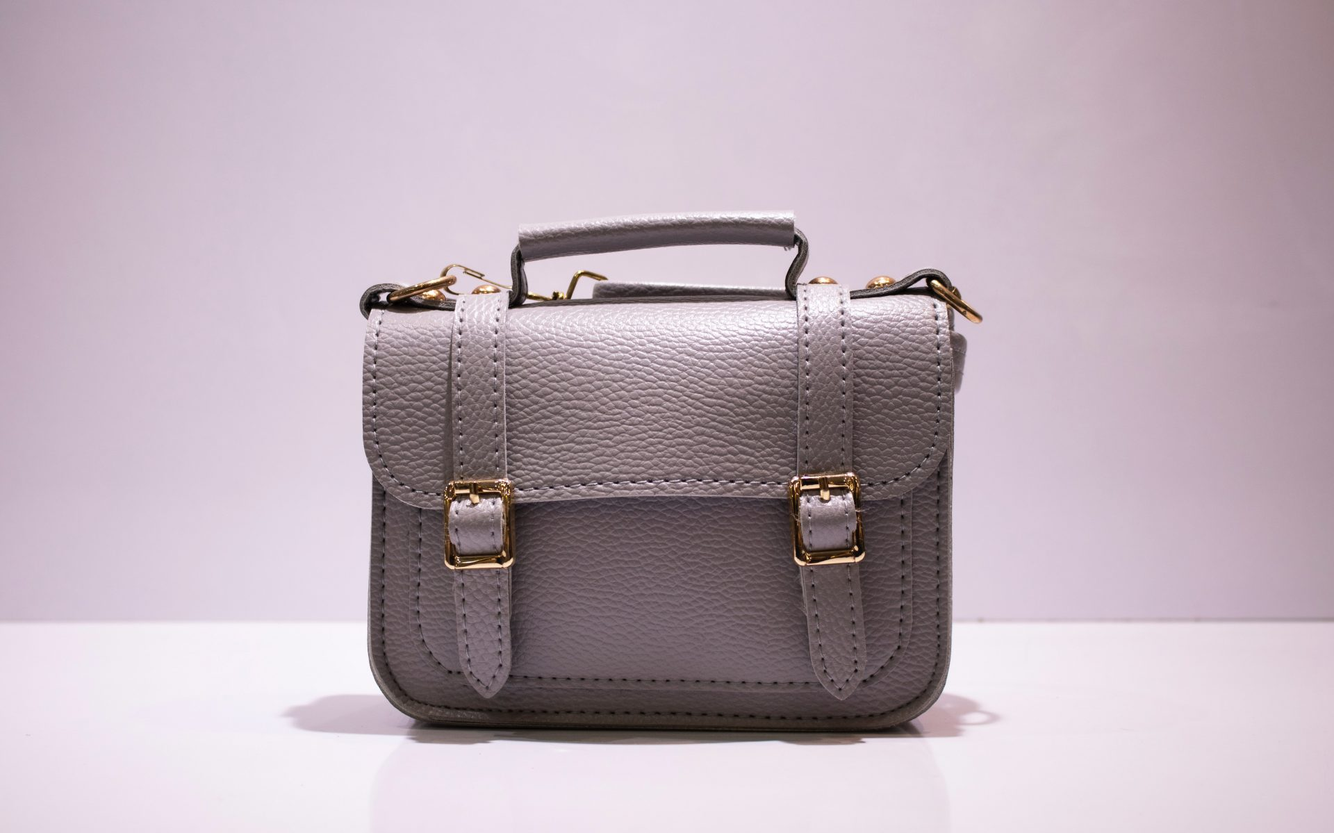 EMODA(エモダ)のバッグ!おすすめのショルダーバッグからトートバッグまで紹介!
