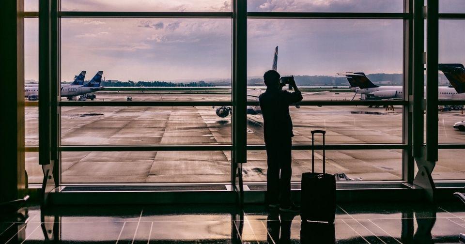 【2021年】機内持ち込み可能なおしゃれスーツケースをご紹介!【軽量・コスパ】