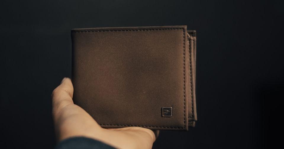 Calvin Klein(カルバンクライン)のカフスは結婚式やビジネスでもっとおしゃれを楽しめる!おすすめのカフスや付け方もご紹介!