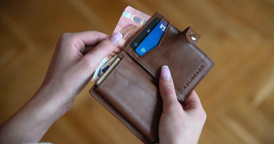 5000円以下のミニ財布おすすめ11選!人気ブランドのプチプラミニ財布も!